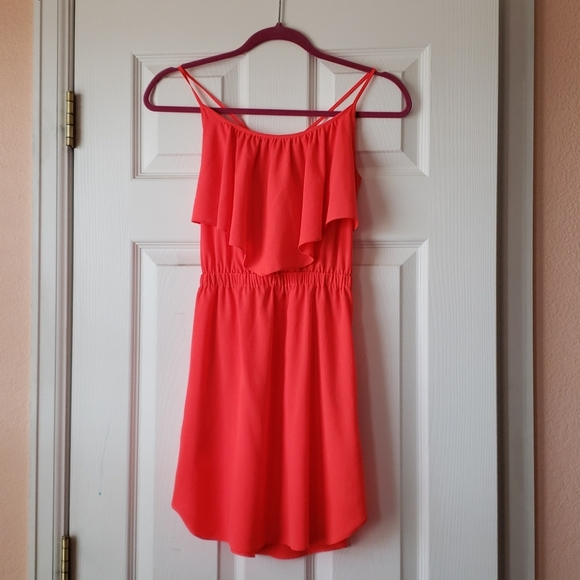 American Eagle Outfitters Dresses & Skirts - American Eagle bright pink dress.
